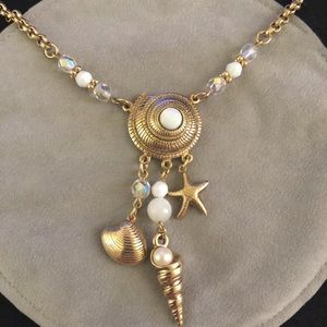 Vintage gold tone seashells necklace by 1928